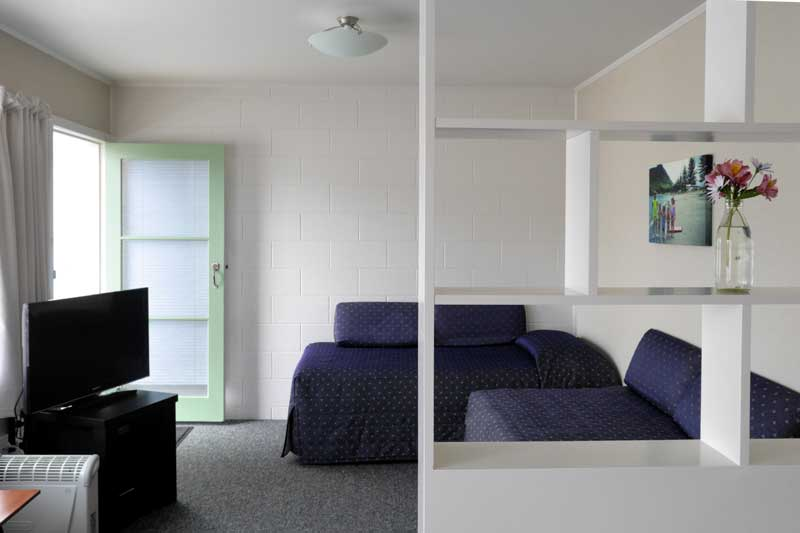 Lounge in Unit 4 at Westhaven Motel