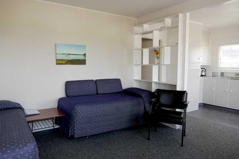 Lounge Unit 6 Westhaven Motel